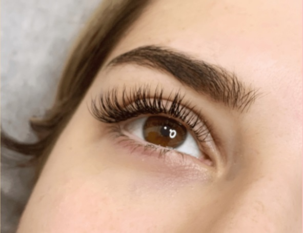 Having Trouble In Keeping Your Eyelash Extension Healthy? Here's How You Can!