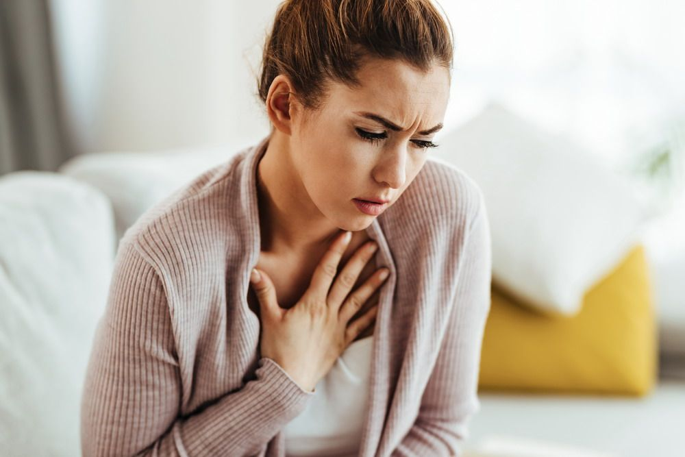 5 Causes of Chest Pain When Coughing